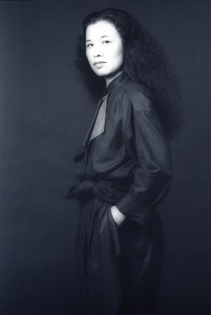 Eiko-ishioka-1983-robert-mapplethorpe